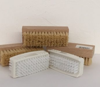Nail brush -wood & plastic