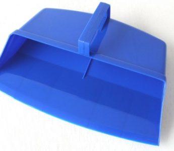 hooded-plastic-dustpan